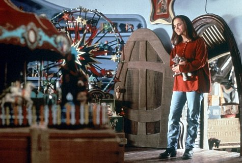 casper movie house. Director: Brad Silberling Casper Movie House U