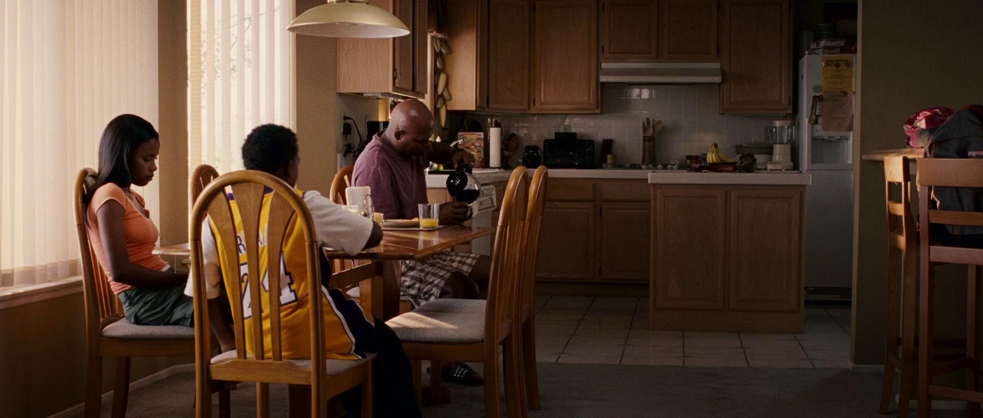 Lakeview terrace movie download in hd dvd divx ipad for Movies at the terrace