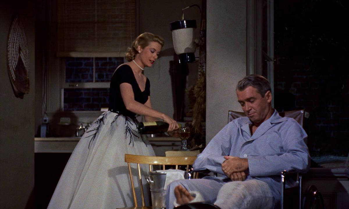 rear window 1954 Dial m for murder (1954) 'rear window' is one of the most retrospective movies i've ever seen in a span of two hours, it examines some of the most recurrent themes in film.