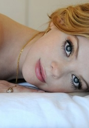 Download all the movies with a Dreama Walker