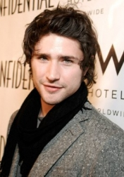 Download all the movies with a Matt Dallas