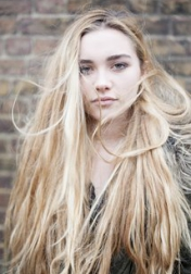 Download all the movies with a Florence Pugh