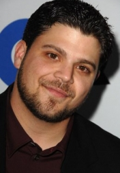 Download all the movies with a Jerry Ferrara