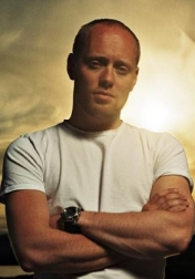Download all the movies with a Aksel Hennie