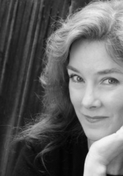 Download all the movies with a Valerie Mahaffey