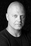 Download all the movies with a Michael Chiklis