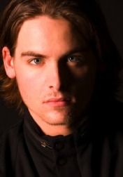 Download all the movies with a Kevin Zegers