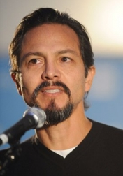 Download all the movies with a Benjamin Bratt