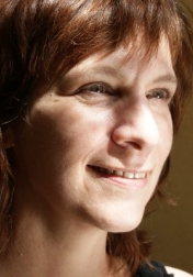 Download all the movies with a Amanda Plummer
