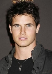 Download all the movies with a Robbie Amell