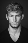 Download all the movies with a Alex Pettyfer