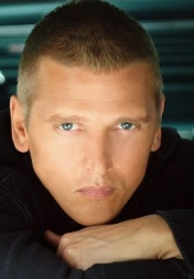 Download all the movies with a Barry Pepper