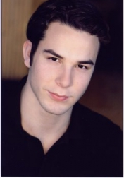 Download all the movies with a Skylar Astin