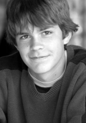Download all the movies with a Johnny Simmons