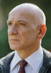 Download all the movies with a Ben Kingsley